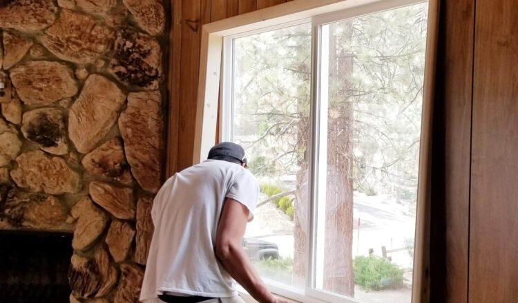 Jak dbać o okna drewniane?